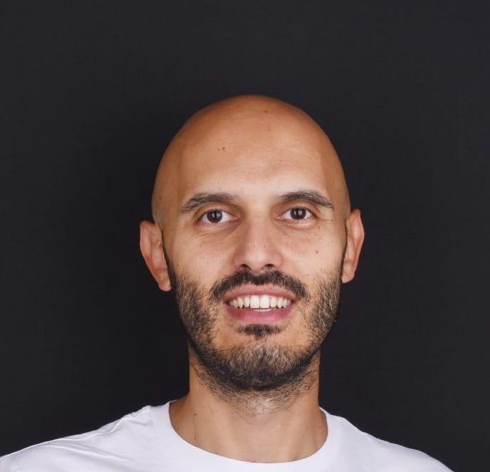 DR. ANTONIO PERRI